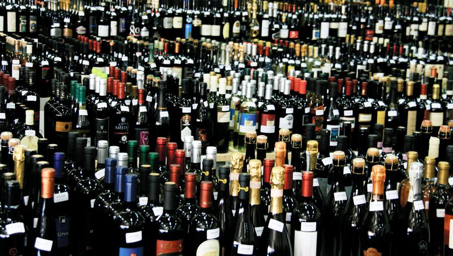 Torna a crescere il vino venduto nei supermercati