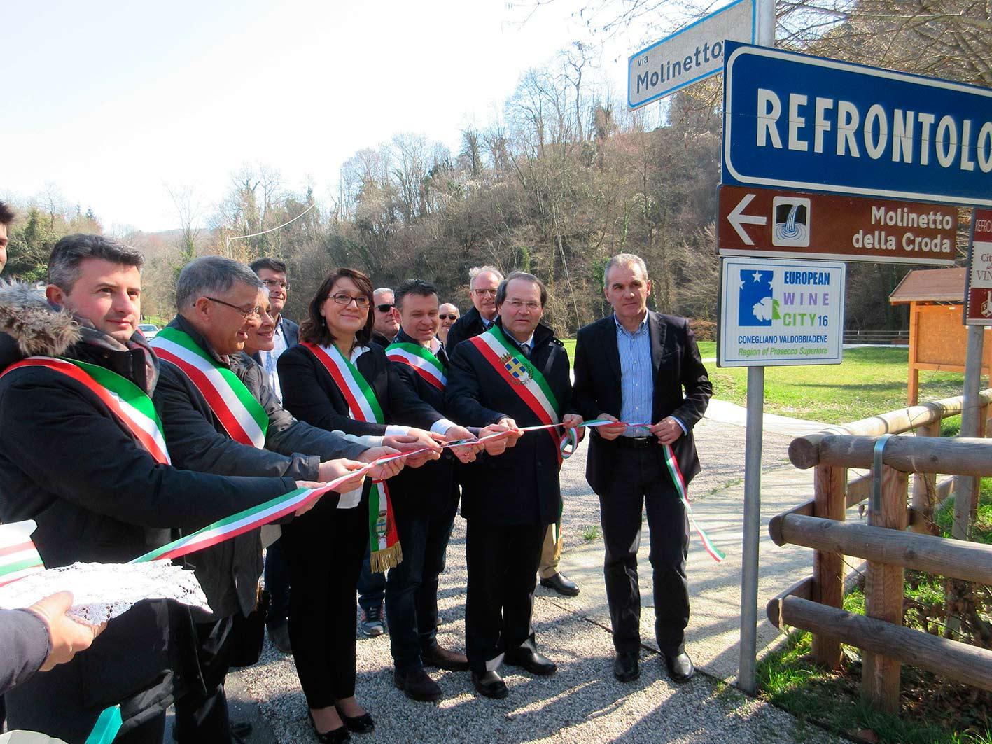 Spuntano i cartelli della Città Europea del Vino