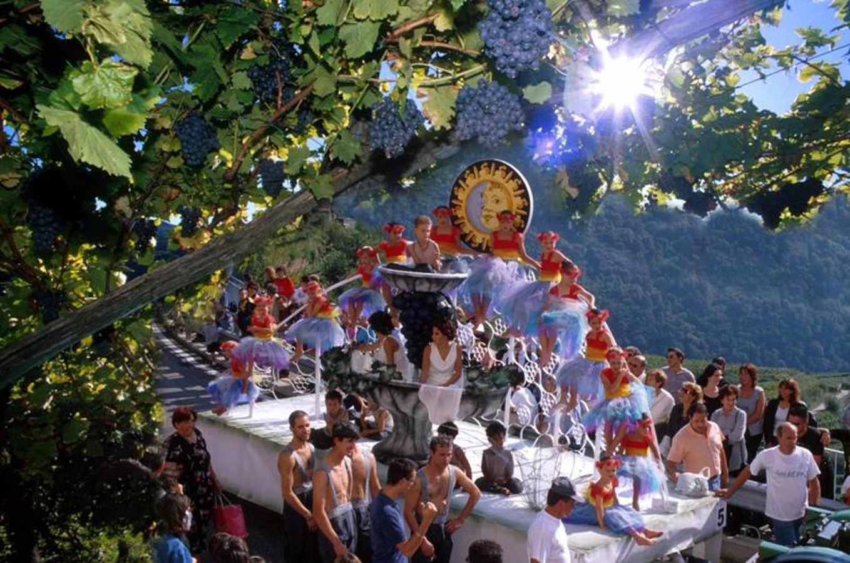 Alla Festa dell'uva di Verla di Giovo tutta la magia della Valle di Cembra