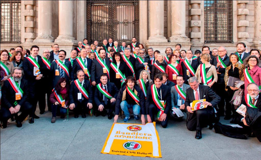 Le Bandiere Arancioni festeggiano i vent'anni
