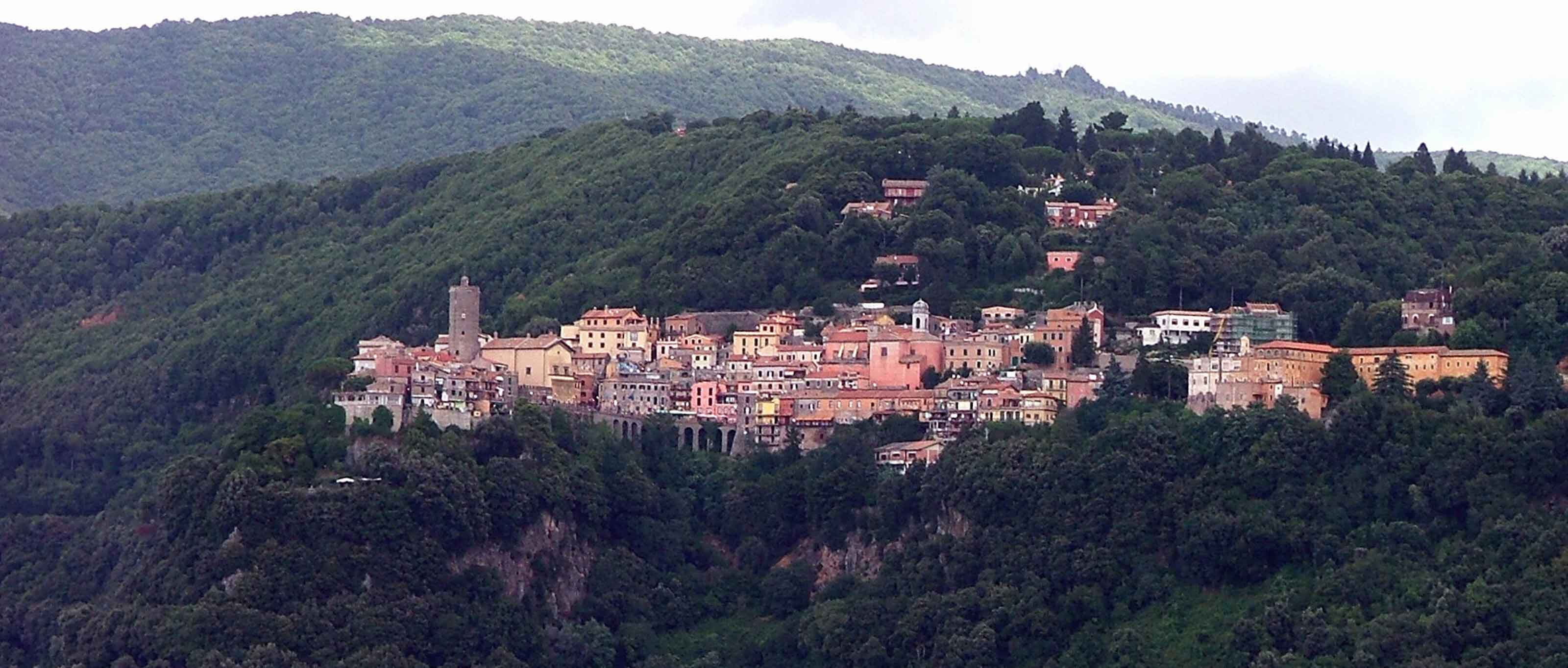 Nemi: Borgo DiVino tra i Castelli Romani