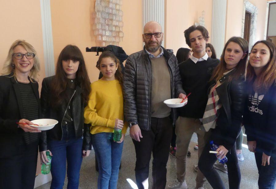 Valorizzare i prodotti tipici agroalimentari: studenti del progetto Erasmus+ a lezione in Camera di Commercio di Novara