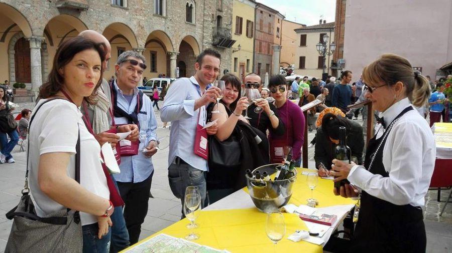 Bertinoro in piazza per l'Albana Dei