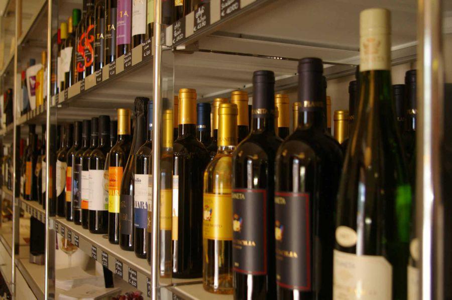 Vino  italiano: aumenta export ma cala competitività