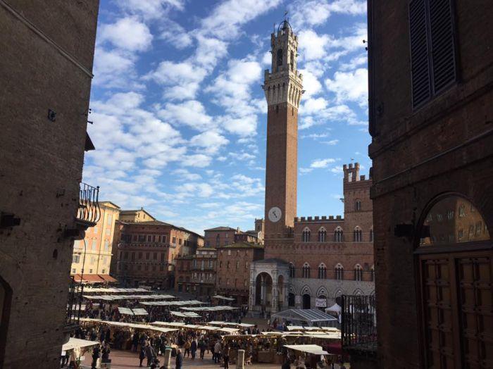 Siena, torna il Mercato nel Campo