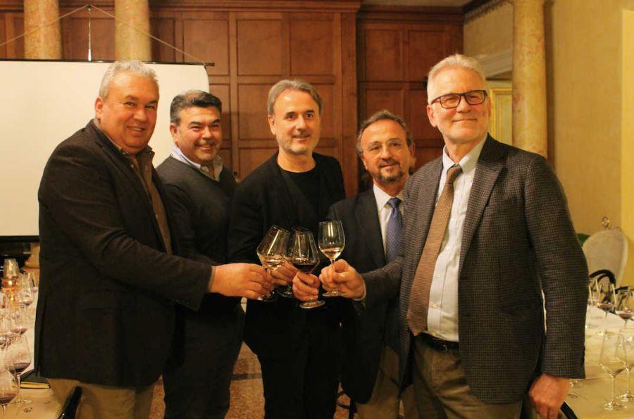 """""""Alla scoperta del futuro del vino: tra varietà resistenti e nuovi modelli di viticoltura"""""""