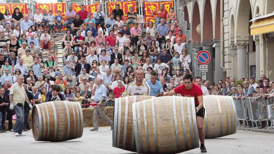 A Nizza Monferrato si disputa la quinta tappa locale del Palio Nazionale delle Botti