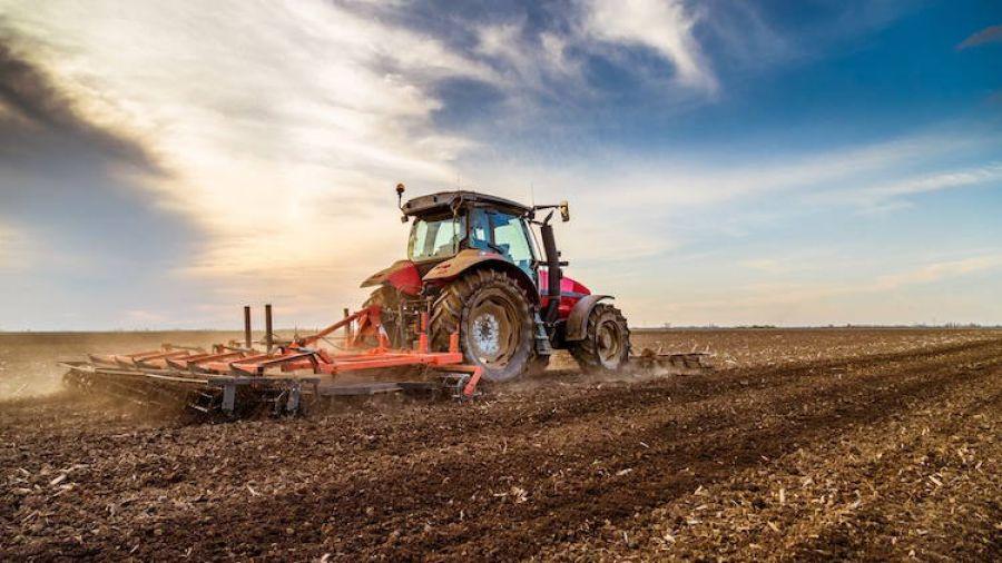Forniture di macchinari agricoli: i coltivatori chiedono lo sblocco