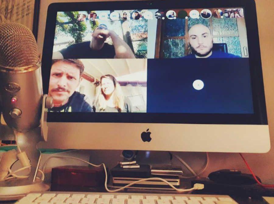 Vino social e vino online