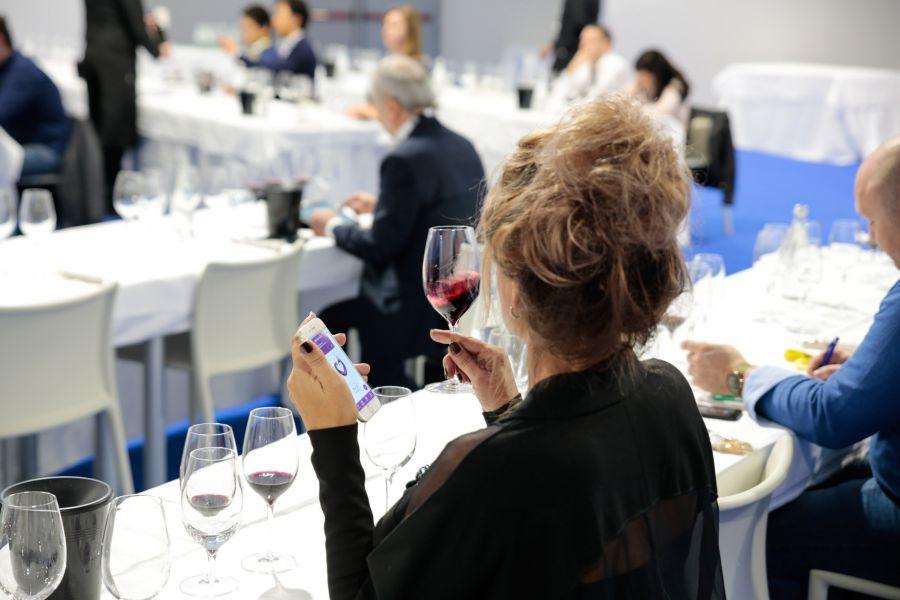 Riapertura HORECA vale 6,5 mld di euro per consumi vin