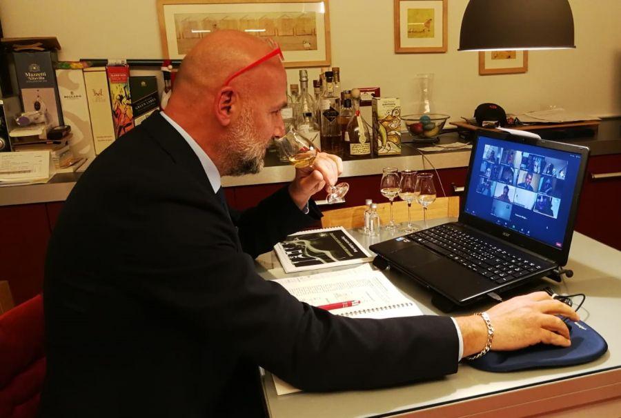 Corso online per assaggiatori di grappa e acquaviti