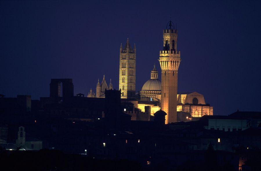 Calici in alto a Siena per la