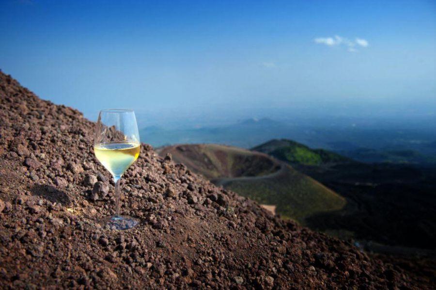 Il Soave racconta il vulcano nel vino