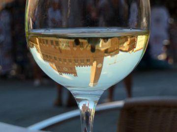 Bottiglie di vino per Norcia