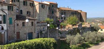 Tra Borghi e Cantine in Toscana