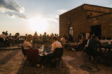 Calici di Stelle a Montepulciano: l'edizione speciale conquista il pubblico di wine lovers
